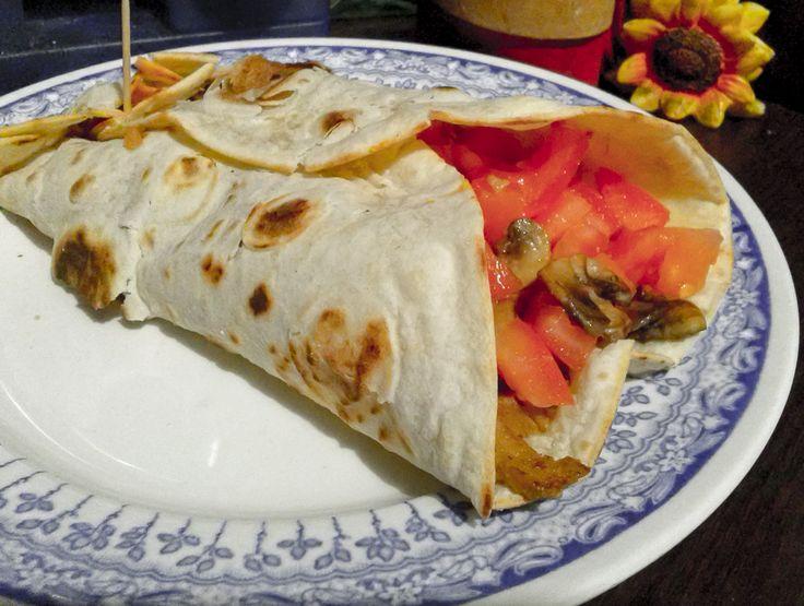 Kebab vegetariano  Su #kitchengirl.it 7 ricette con il #seitan... Numero 1:#kebab #vegetariano! http://www.kitchengirl.it/sette-giorni-in-tavola/7-seitan/  # blog #tacchiepentole #cucinavegetariana #Veg #ricetta #cucina #amicincucina #lacucinaitaliana #cucinaitaliana #ricetteperpassione #pranzoitaliano #dolce_salato_italiano #clarinafood  #italianfoodbloggers #cucinoperamore