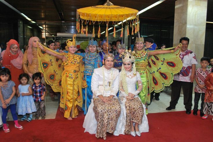 Sawer , Sundanese Indonesia Traditional Wedding