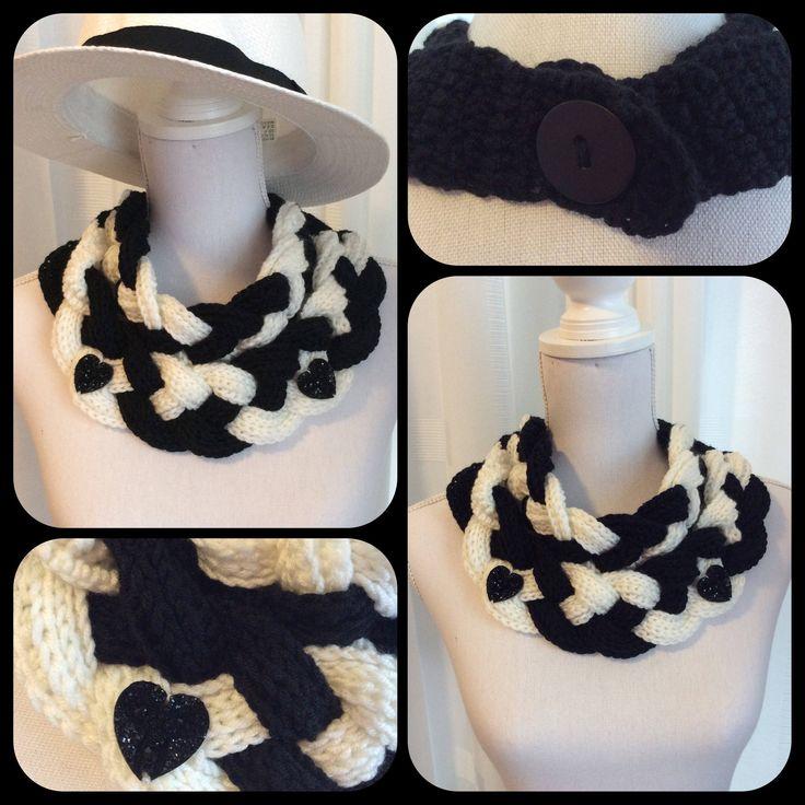 Blij om mijn nieuwste toevoeging aan mijn #etsy shop te kunnen delen: Gehaakte gevlochten sjaal, col, nek warmer in zwart en  wit,verjaardagscadeau, cadeau voor haar, cadeau voor moeder, kerst cadeau, feestdag, #accessoires #sjaal #verjaardag #zwart #wit #kerstcadeausjaal #accessiores #sjaals #cols #Sinterklaas cadeau #Gift SantaClaus #gift for her #Crochet Scarf #Neck warmer #cowl #blackandwhite