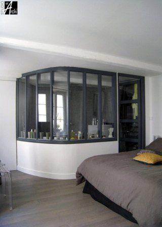 des verrières à l'intérieur de la maison pour cloisonner en gardant la lumière et l'impression d'espace