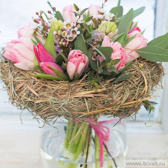 Весенний букет на каркасе из сена Pink spring bouquet: