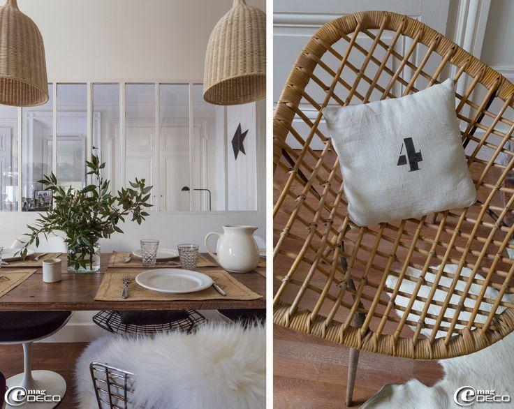 sur des sets de table en paille des assiettes et couverts alin a d tail d 39 un fauteuil en rotin. Black Bedroom Furniture Sets. Home Design Ideas