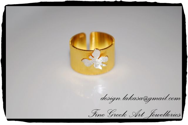 Flower Chevalier Ring Sterling Silver 925 Gold Plated Jewelry - Open Sized Ring Price: 48 euros Order code: 01C10 e-mail: design.lakasa@gmail.com Free shipping worldwide Dimensions: 12x20x(20)mm Χειροποίητο Δαχτυλίδι Chevalier Λουλούδι Ασημένιο 925 Επιχρυσωμένο κατάλληλο για το μικρό δάχτυλο Δωρεάν τα έξοδα αποστολής! #λουλούδι #ασημένιο #chevalier #δαχτυλίδι #sterling #silver #flower #ring