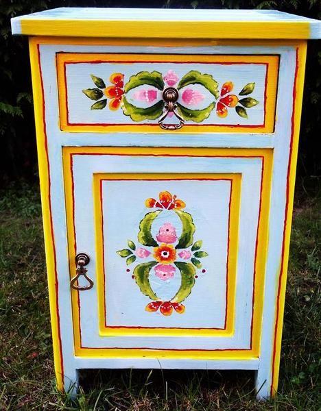 piekna szafka w stylu wiejskim malowana w patrikija na DaWanda.com