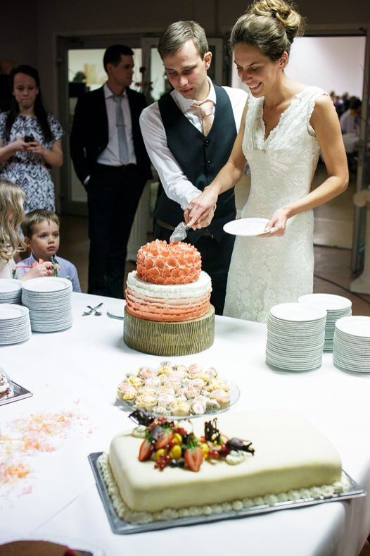 a coral ombre weddingcake i made for this beautiful couple.