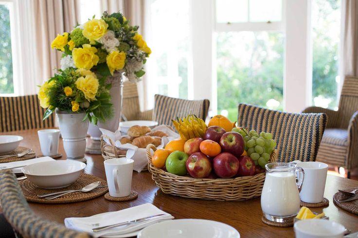 O café da manhã é a refeição mais importante do dia. Veja o que não pode faltar à mesa para você acordar cheia de energia, manter-se magra e até afastar doenças.  1. Vitamina delícia: