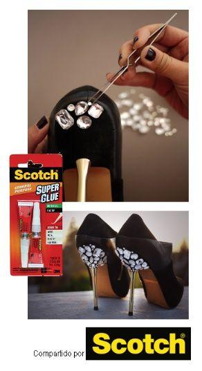 Scotch Super Glue te trae todo tipo de ideas para que pruebes tu creatividad haciendo de tus pasos se vean perfectos, ponle unos cuantos accesorios a tus zapatos y transformalos. ¡Todos te volverán a ver!    Puedes encontrar mas información en: honestlywtf.com