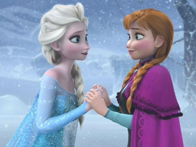 El director de Frozen reveló quién es el hermano de las protagonistas de su película y no lo podemos creer. Se trata de nada más y nada menos de Tarzán.Chuck Buck, quien trabajó al lado de Jennifer Lee para la creación de Frozen, explicó este misterio que intrigaba a todos los fans. Durante una sesión en Reddit, Buck dijo que los reyes de Arendell no murieron en el barco sino que pudieron llegar hasta la costa.