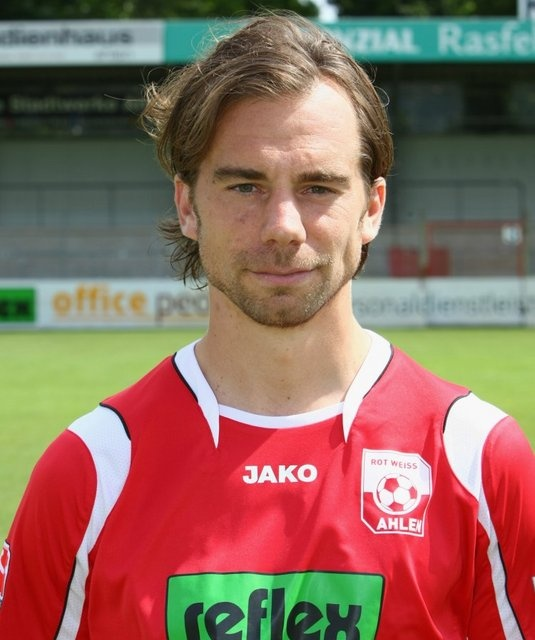 Hotspur Sign Former German Pro.
