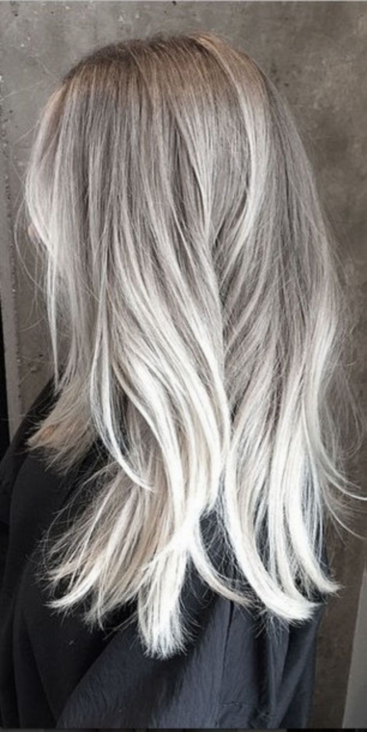 Just Perfect 30+ Silver Hair Color Ideas For Women Look More Beautiful https://www.tukuoke.com/30-silver-hair-color-ideas-for-women-look-more-beautiful-15190