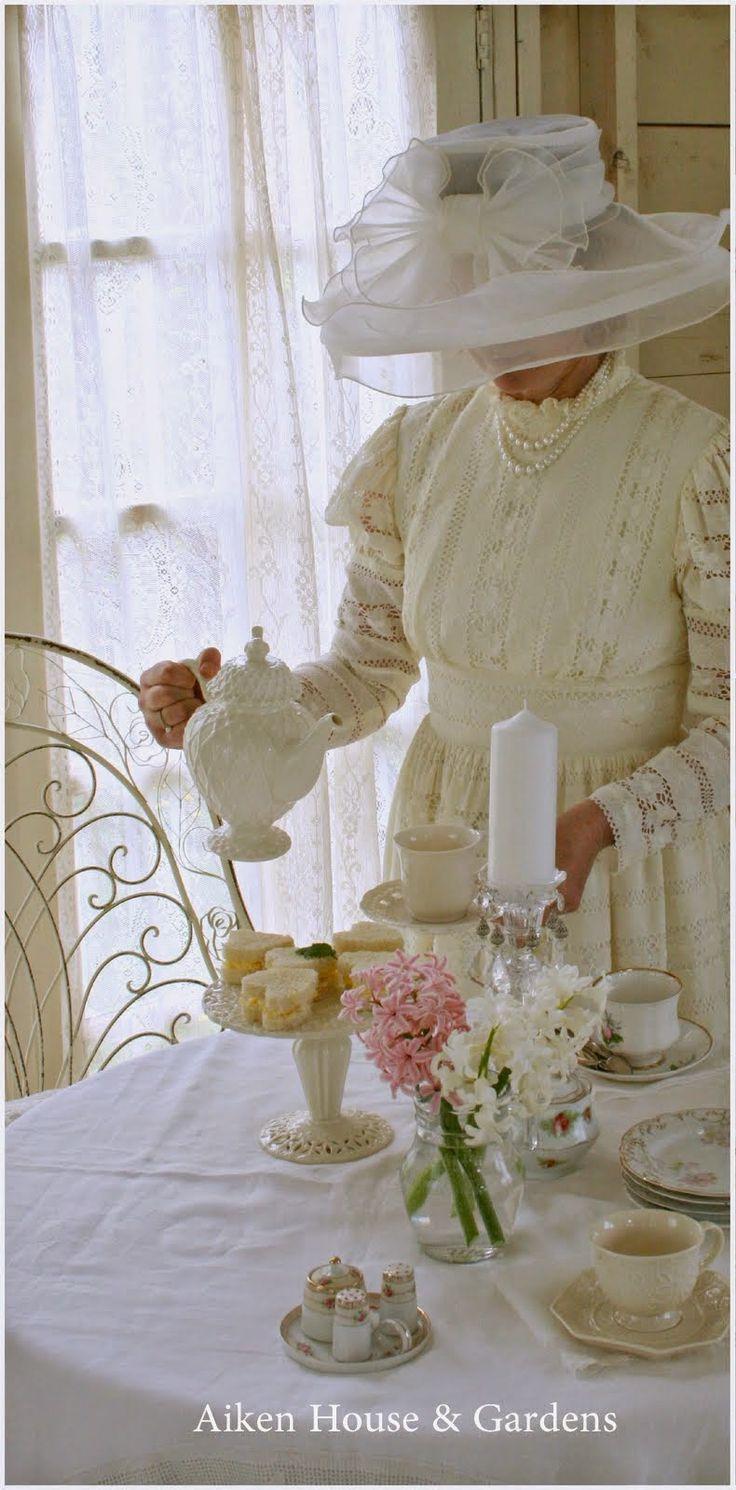 Aiken House & Gardens: An Upcoming Vintage Tea  I like the flower arrangement simple