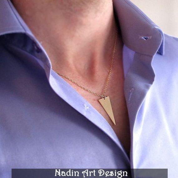 Dreieck-Anhänger mit Text / Herren Halskette von NadinArtDesign auf DaWanda.com