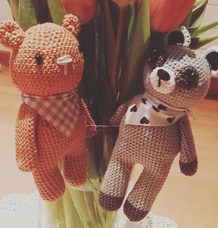 Guten morgen #goodmorning #gutenmorgen #bärenbande #bär #waschbär #amigurumi #amigurumilove #amigurumiaddict #amigurumiartist #amigurumibear #crochet #crochetbear #häkeln #häkelliebe #handarbeit #madeinswitzerland #madebyme #switzerland #mandus #lovely #handmade #handmadewithlove #mitliebegemacht #bestellung by mandus_lovely_handmade