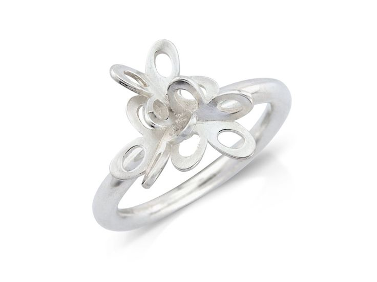 Svala ring - This collection is designed to evoke the fluttering of a butterfly, representing freedom, multiplicity and the unanticipated. #Jewellery #Design #Icelandic #Iceland #Aurum
