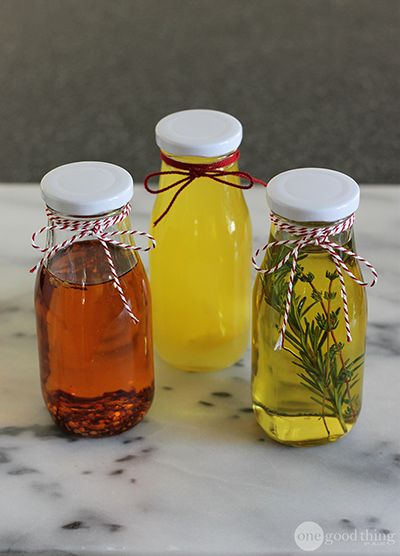 DIY Flavored Cooking Oils - great gift for the foodie in your life!
