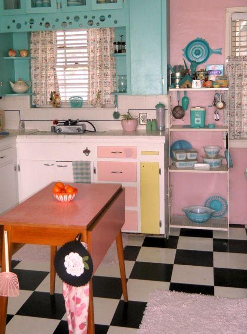 Cute Retro Kitchen. <3