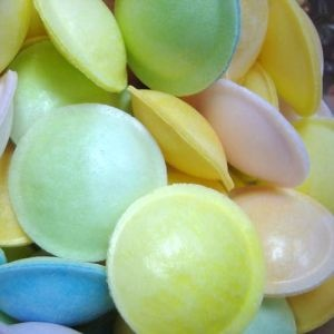 Google Image Result for http://www.toyday.co.uk/shop/images/uploads/flying-saucers-sweets.JPG