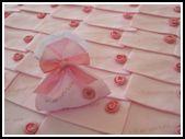 Copertine per neonato realizzate completamente a mano all'uncinetto con cotone filo di scozia. Su una copertina è stato sviluppato il disegno delle farfalle mentre sull'altra copertina …