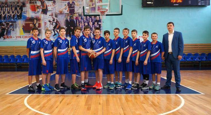 Можгинские баскетболисты вошли в 10-ку сильнейших команд России https://mozlife.ru/stati/sport/-mozhginskie-basketbolisty-voshli-v-10-k.html  Юные баскетболисты из Можги вошли в десятку сильнейших команд России.