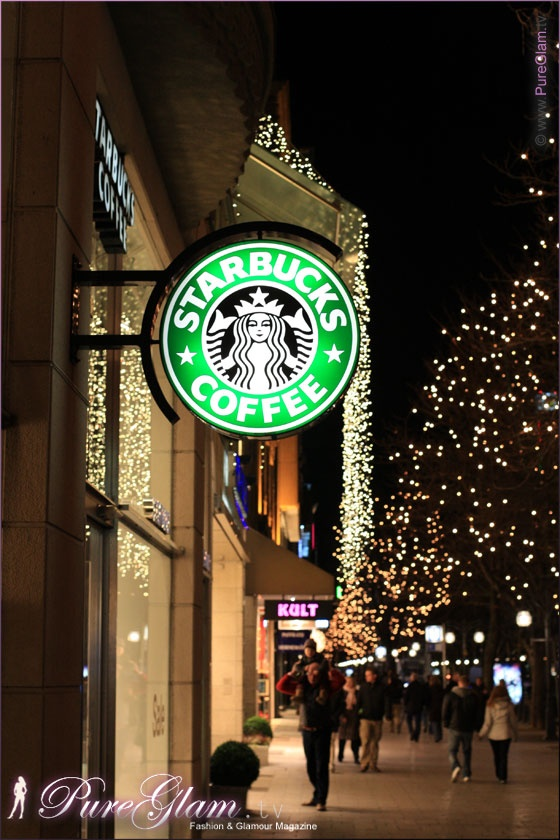 Starbucks during christmas time and decoration at Königsallee Kö/Koe - Dusseldorf/Duesseldorf/Düsseldorf, Germany/Deutschland