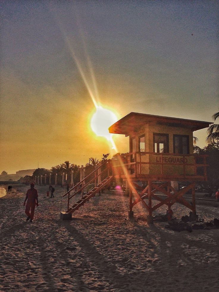 A lifeguard tower in the morning.