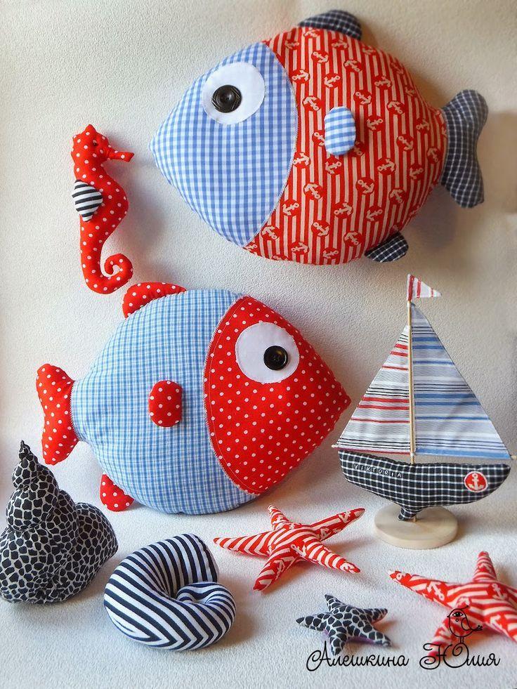 Almohada peces de tela con motivos marineros