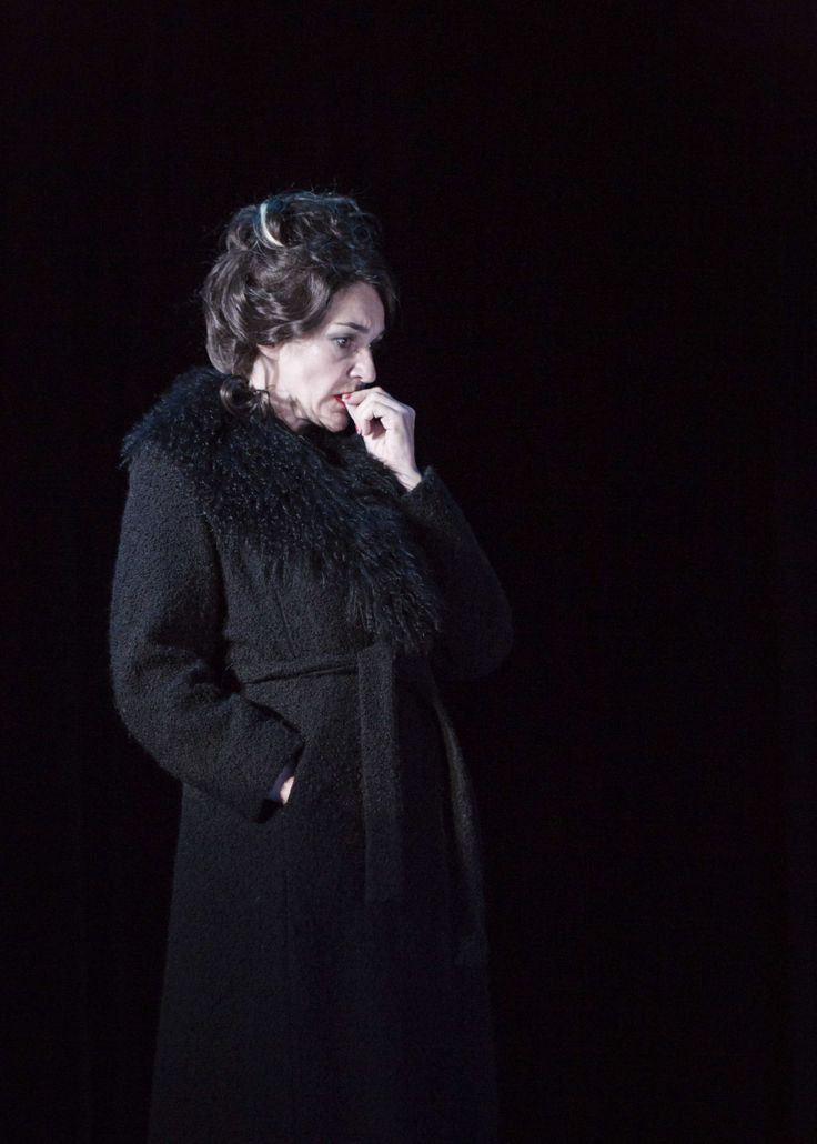 Hilda Fay in Threepenny Opera at the Gate Theatre