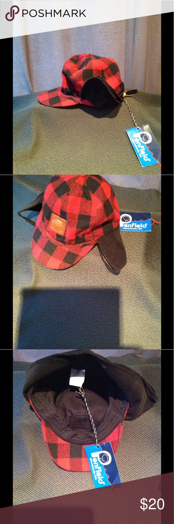 Penfield Buffalo Check Trapper Hat SizeL/X This is classic trapper style hat with ear flaps and adjustable toggle strap . This made by a company in MA called Penfields. Super cozy flannel fabric. Penfield Accessories Hats