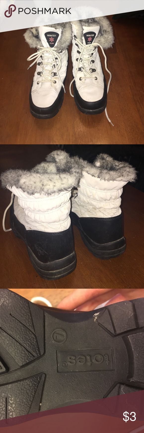 White, fur-lined winter boots, size 7 Comfy waterproof winter boots with soft fur lining. Brand is totes. Size 7. Bought from Target. Shoes Winter & Rain Boots