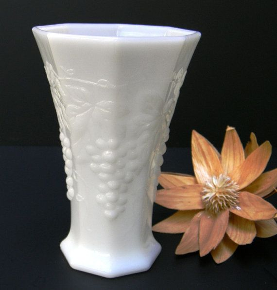 19 Best Vintage Milk Glass Images On Pinterest Vintage Items