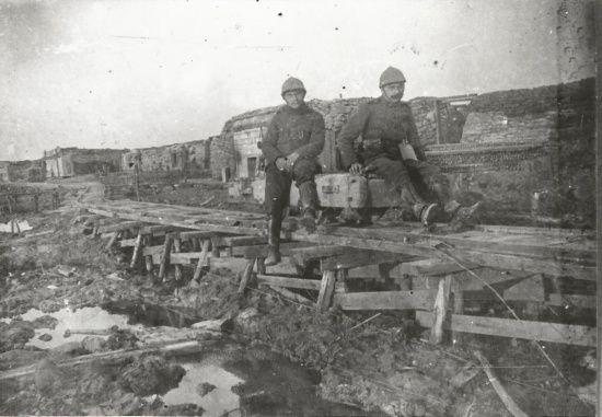 les 1702 meilleures images du tableau guerre 1914 1918 sur pinterest premi re guerre mondiale. Black Bedroom Furniture Sets. Home Design Ideas