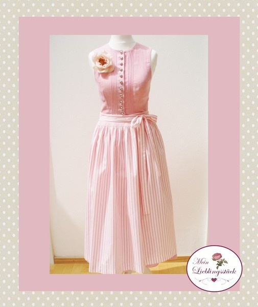 1000 images about vintage dirndl on pinterest traditional pink blue and rose print dress. Black Bedroom Furniture Sets. Home Design Ideas