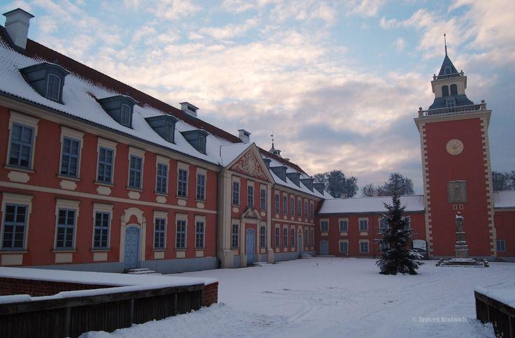 W Lidzbarku Warmińskim szkoła, graffiti oraz industrializm, w Dywitach zaglądamy do wnętrza kurhanu   Kochamy Warmię • Warmia foto & blog