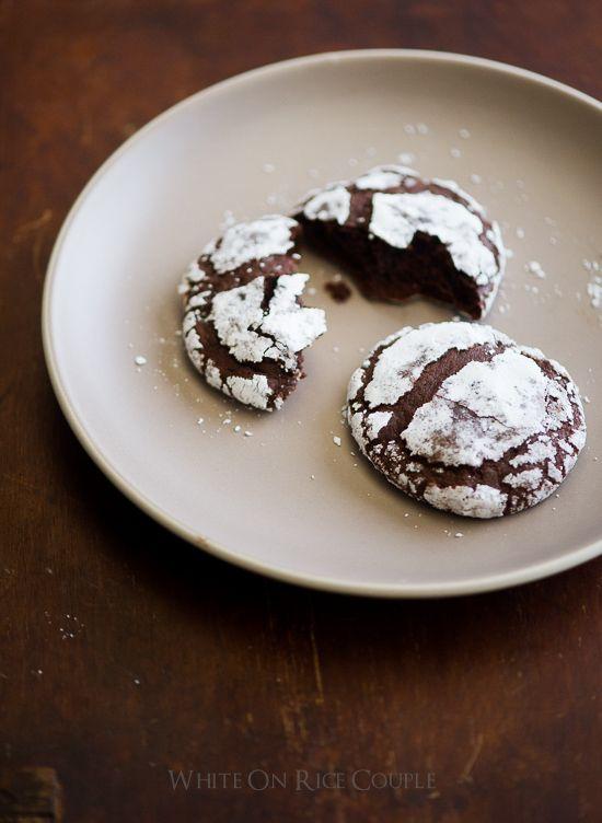 Bourbon Dark Chocolate Crack Cookies on WhiteOnRiceCouple.com