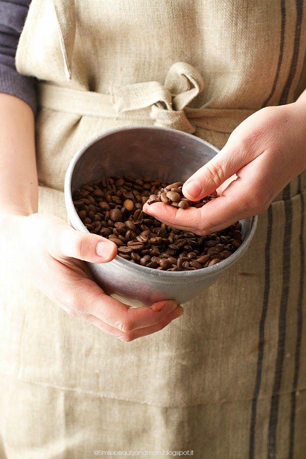 Il profumo di caffè: per iniziare la settimana con energia e dolcezza! Se poi l'abbinata è con il cioccolato -beh, allora ancora meglio; e se poi l'impasto è bello rustico, fatto con la farina di farro, non si può non provare! Questa è una ricetta fatta per caso, non era nella mia lista delle milleRead more