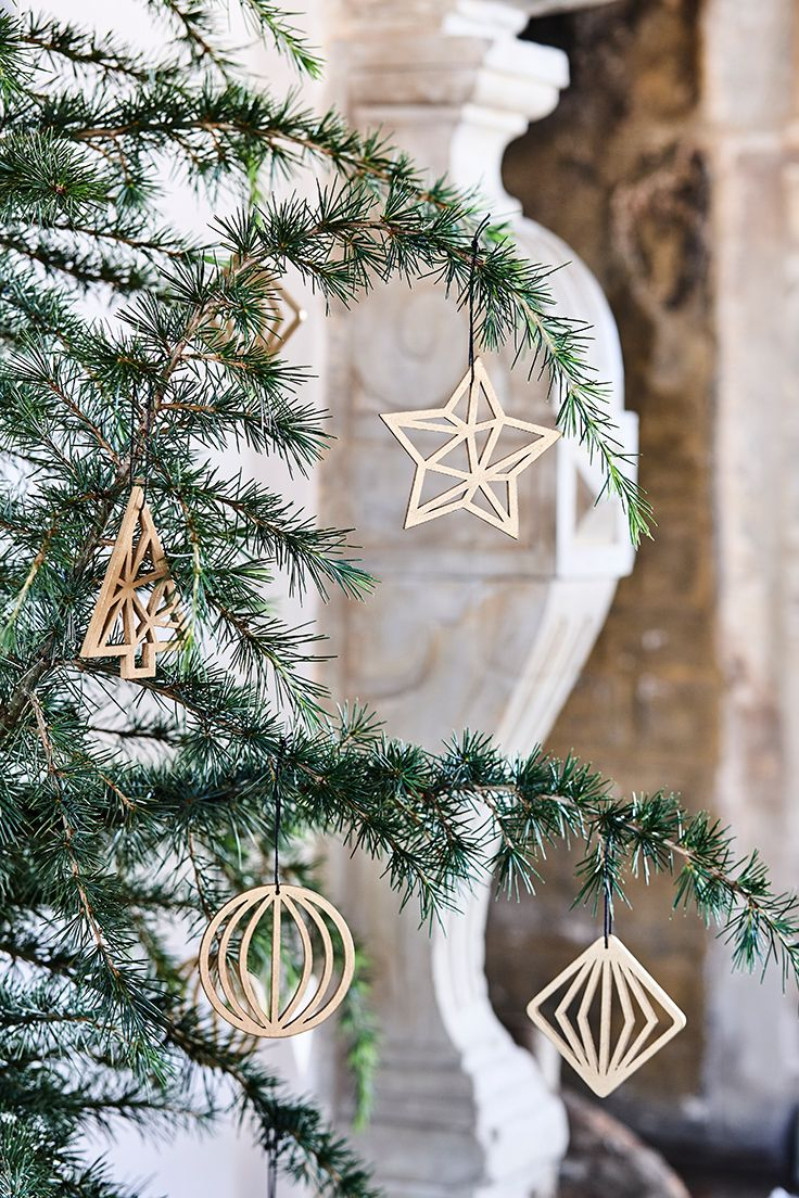 Star -   Christmas golden wood ornament in four designs //  Søstrene Grenes Christmas Catalogue 201