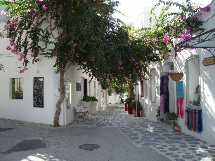 Paros, located at the heart of the Cyclades, one of the most beautiful places I've visited!