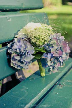 Brautstrauß aus blauen Hortensien