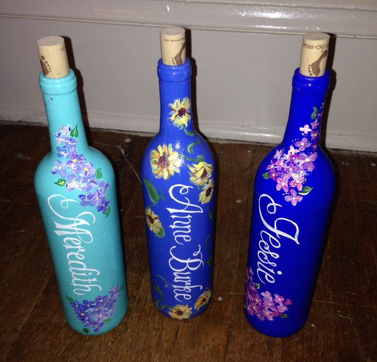 painted wine bottles, ombre colors, roommate gifts