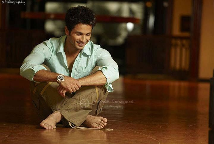 Image result for shahid kapoor bare feet