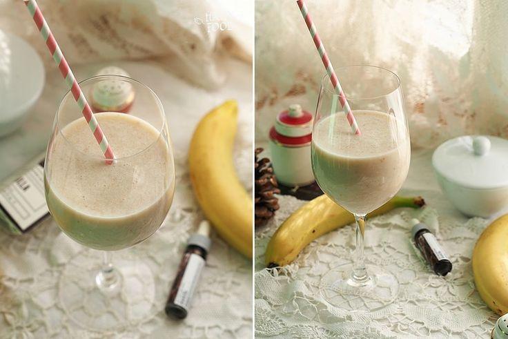 Утренний коктейль с бананом, овсянкой и ванильюHAPPYFOOD