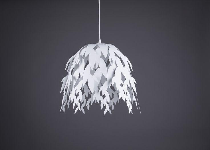 Svítidlo+LISA+/+bílé+LISA+/+inspirace+Stropní+svítidlo+LISA+vnese+do+pokoje+harmonii+přírody.+Design+osvětlení+je+inspirován+drobnými+lístky,+které+se+pohupují+ve+větru+jako+tančící+lesní+víly.+Díky+tomu+svítidlo+vytváří+úchvatnou+stínohru+stvořenou+nejen+pro+romantické+chvíle+a+relaxaci,+ale+také+pro+setkávání+spřáteli.+Soriginálním+svítidlem+LISA+se...