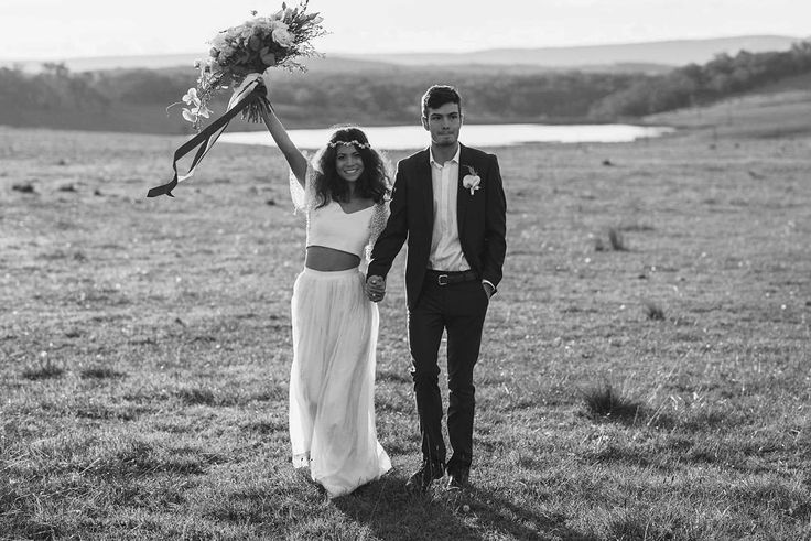 Black and white wedding day photography ideas - country wedding style