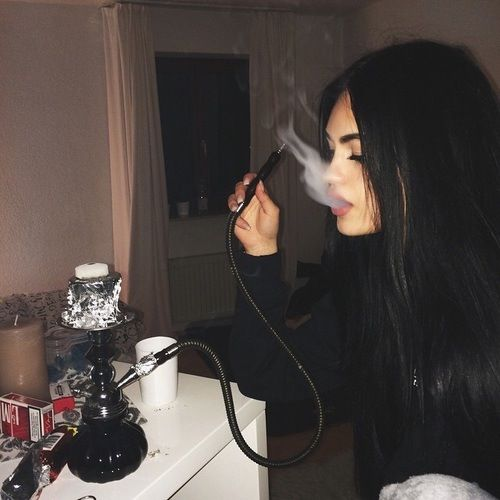 girl, smoke, and hair Bild …