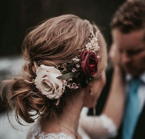 updo wedding hairstyle with fall inspired headpiece #fallweddings #weddingideas #weddinghairstyle #bridalfashion #weddinginspiration #weddinghair