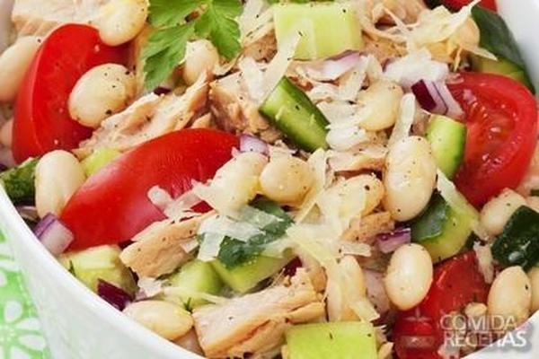 Receita de Salada de bacalhau com feijão branco em Saladas, veja essa e outras receitas aqui!