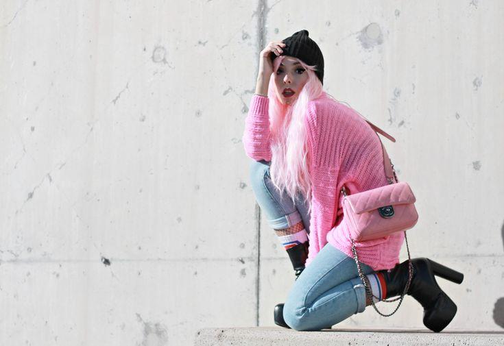 unicorni rosa, theladycracy.it, generazione y, elisa bellino, pink chanel bag, borsa chanel rosa, capelli rosa blogger, parrucche rosa, pink hair blogger, pink look 2017, blogger moda 2017, fashion blogger italia 2017, fashion blogger milano 2017, fashion blogger più seguite 2017, fashion blogger famose 2017, stivaletti plateau, unicorni mania,