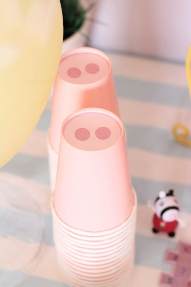 Peppa Pig Party Ideas. Wow. I hope this was done by a paid party planner because omg...