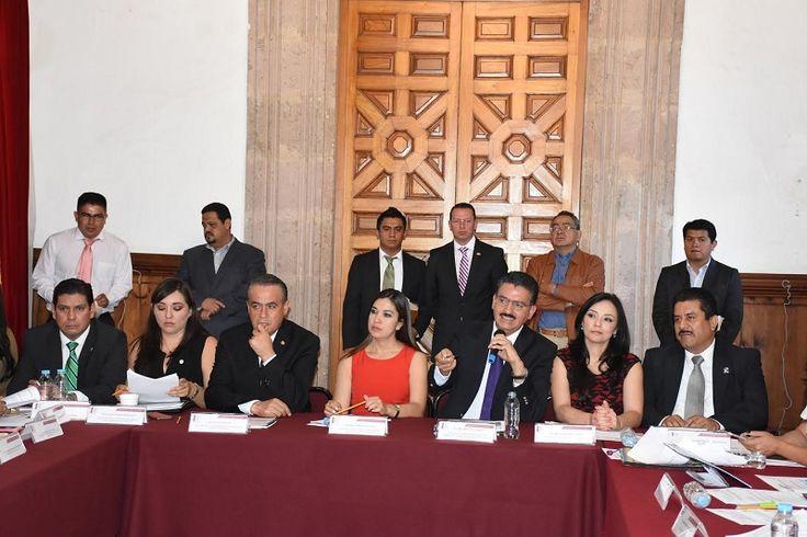 Diputados de todos los partidos políticos representados en el Congreso del Estado se reunieron con el titular de la Semarnacc, Ricardo Luna García, quien informó sobre distintas acciones que realiza ...