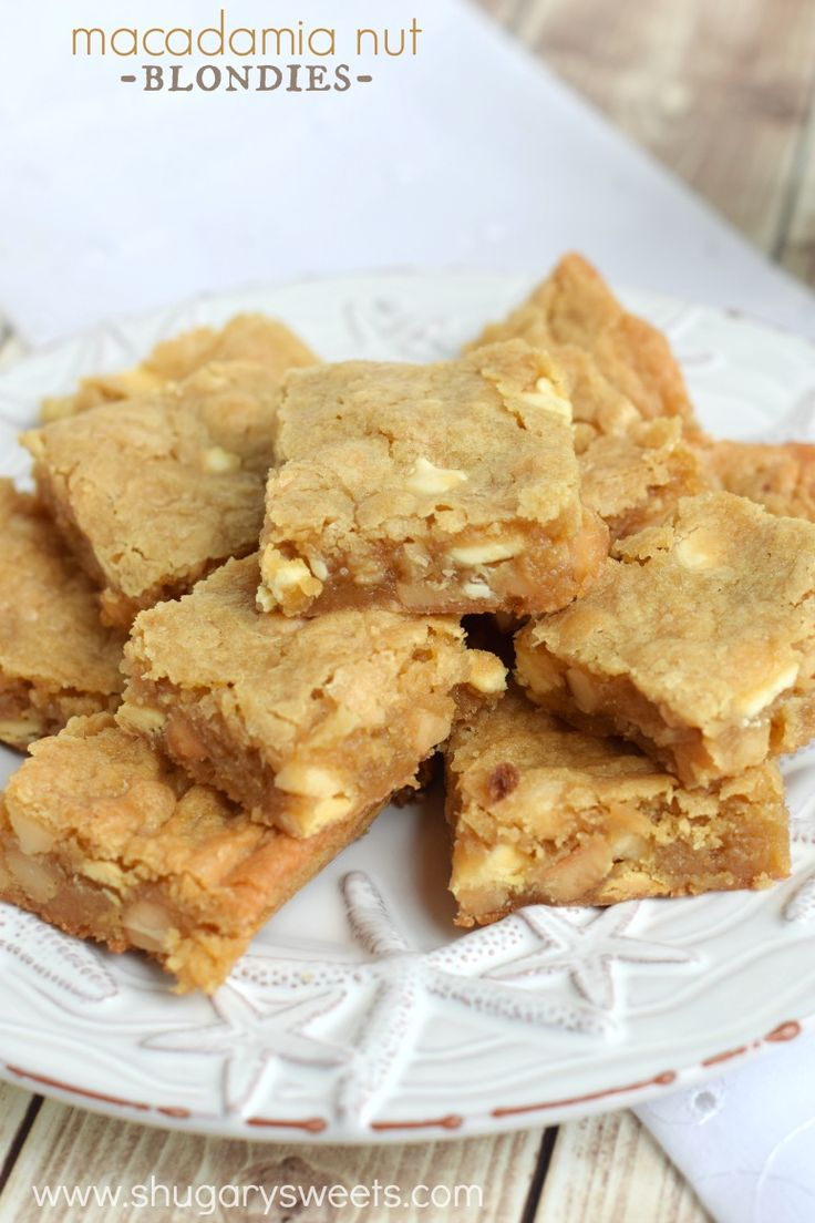 Macadamia Nut Blondies: delicious chewy blondies with a nutty crunch. Melt in your mouth!!